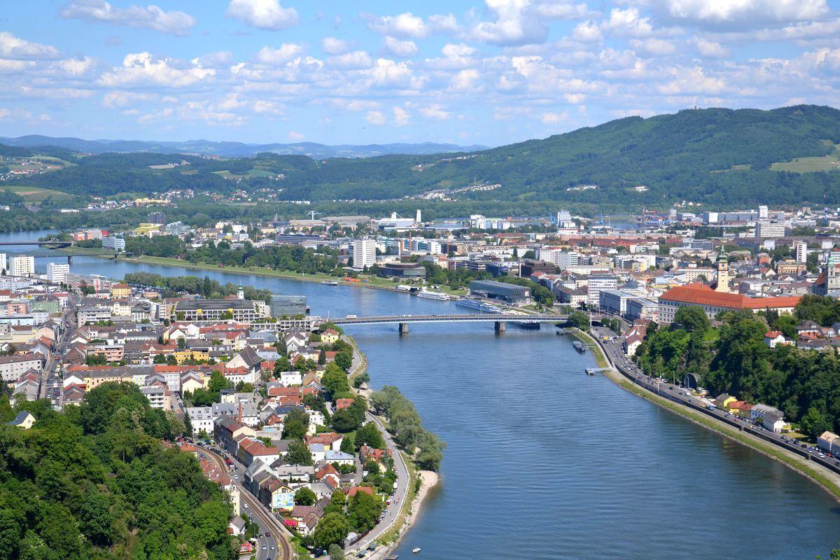 Najpiękniejsze miasta Austrii - Podróże i rekreacja