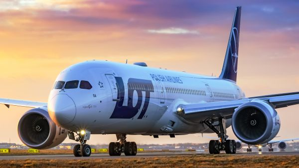 Boeing_787_Dreamliner_LOT_Polish_Airlines fot. Sebastian_Fusnik